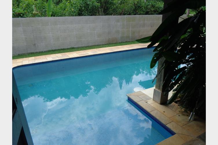Vista do quarto 2 para piscina